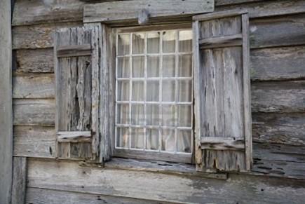 С появлением герметичных пластиковых окон и сейф дверей, естественный приток свежего воздуха стал невозможным