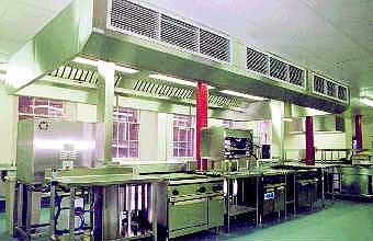 Для кондиционирования микроклимата ресторанного зала применены напольные панели отопления-охлаждения  и вентиляция вытесняющего типа