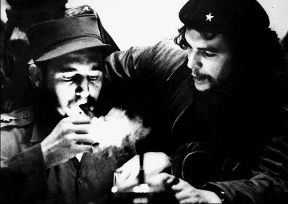 По праздникам в хорошей компании можно закурить хорошую сигару